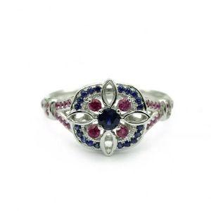 New! Gorgeous Fashion Ring! Size 8